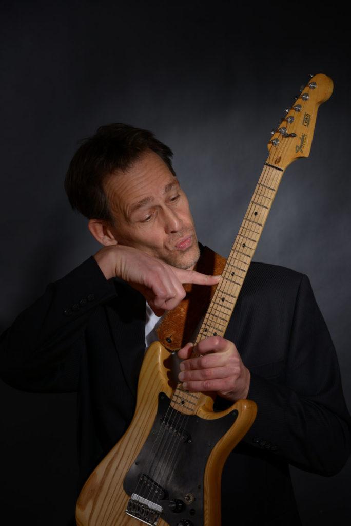 JWO - quarter-tone guitar
